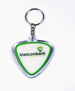 In hình lên móc chìa khóa vietcombank