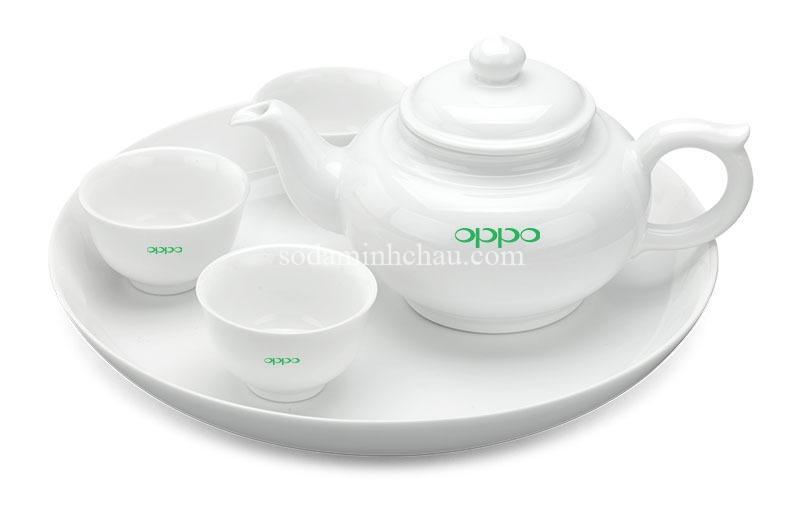 In logo Oppo lên bộ ấm chén