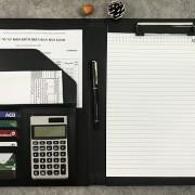 sổ a4 có kèm máy tính cá nhân tiện lợi và bìa kẹp hồ sơ