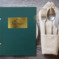 menu bìa da ăn mòn kim loại